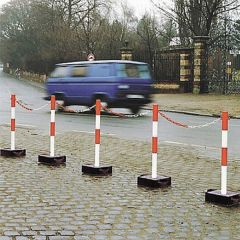 Heavyweight Chain Posts with Metal Base - Application Image