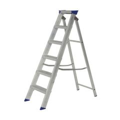 Werner Builders Swingback Stepladder